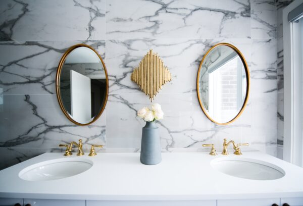 kirgas-peegel